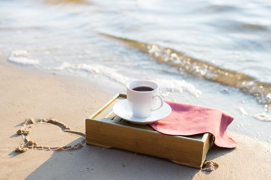 romantic beach breakfast on anna maria isalnd