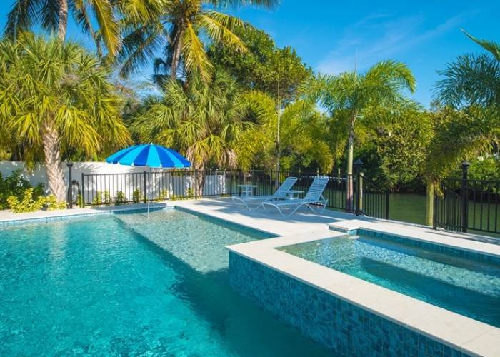 Anna Maria Rental with Hot Tub