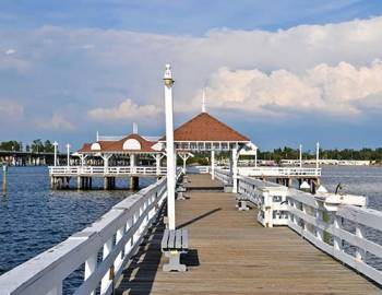 historic bradenton beach pier on anna maria island accommodations